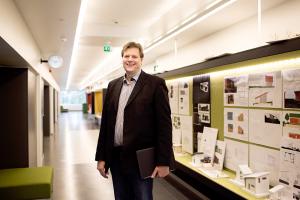 – Ennen kuin energiatehokasta taloa aletaan suunnitella, on selvitettävä, millaista arkea perhe elää ja millaisessa käytössä huoneet ovat, kertoo projektipäällikkö Jan-Erik Järventie.